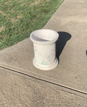 "Vintage PILLAR Flower plant POT 10"" x 9"" for Sale in Fresno, CA"