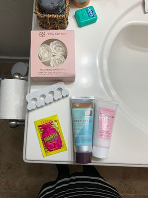 Body cream, lotion and soap. Etc for Sale in Mill Creek, WA