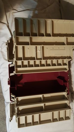 Fishing tackle box for Sale in BRECKNRDG HLS, MO