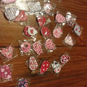 New Valentine's earrings for Sale in Victoria, TX