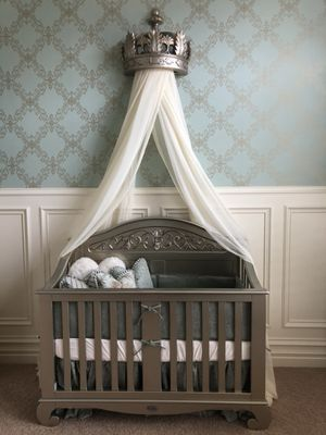 Bratt Decore Gold Baby Nursey for Sale in Draper, UT