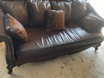 Antique Leather Couch,sofa for Sale in Altamonte Springs,  FL