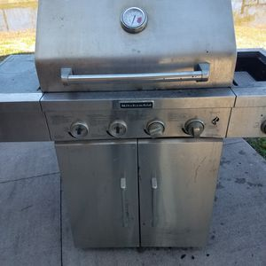 2 Propane Grills for Sale in Needville, TX