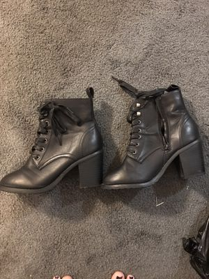 5/6 women's heel boots for Sale in Norwood, PA