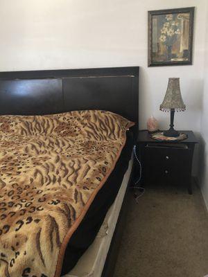 King size bedroom set . for Sale in Hayward, CA