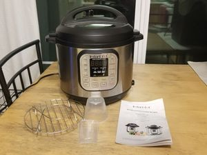 6 quart instant pot for Sale in Puyallup, WA