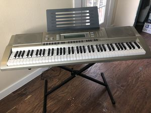Casio WK-200 piano keyboard for Sale in Mesquite, TX