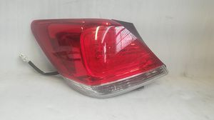 2011 2012 Toyota Avalon Tail Light for Sale in Compton, CA