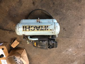 Hitachi air compressor works great for Sale in San Antonio, TX