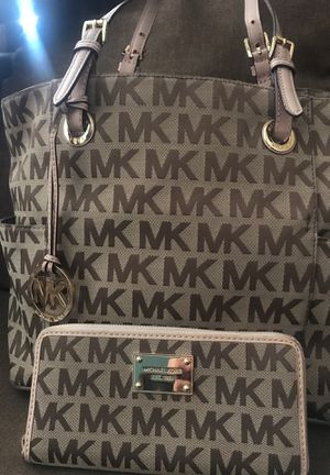 Michael Kors purse and wallet $75 for Sale in Paramount, CA