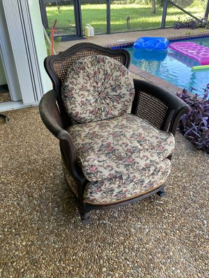 Antique rocking chair for Sale in Fort Lauderdale, FL