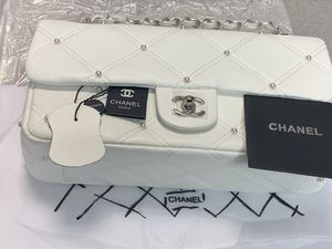 White Chanel bag for Sale in Saint Charles, MD