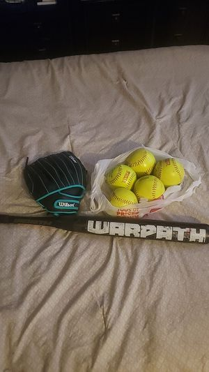 softball gloves, bat and balls for Sale in Miami, FL