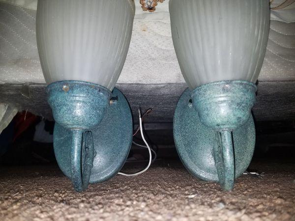 2 Green outdoor accent light fixture