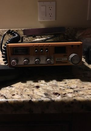 FISHING BOAT CB RADIO , DIGITAL SYNTHESIZER , GE WEATHER BAND TWO -WAY 8 BAND RADIO 📻 for Sale in Wilmington, MA