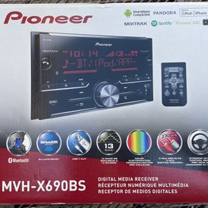 Pioneer Car Stereo MVH-X690BS for Sale in Costa Mesa, CA