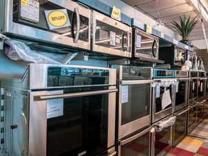 Ovens, stoves and mic for Sale in Nashville, TN