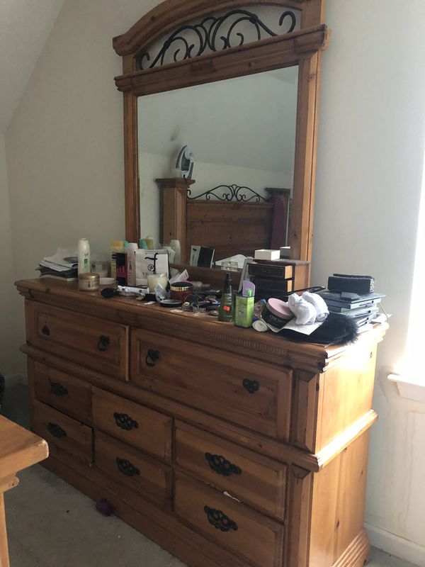 Haverty's bed and dresser for sale