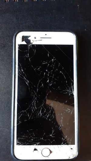 Iphone 7 plus broken but works perfectly for Sale in El Cajon, CA