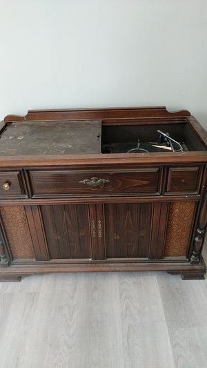 Vintage turn table for Sale in Biddeford, ME