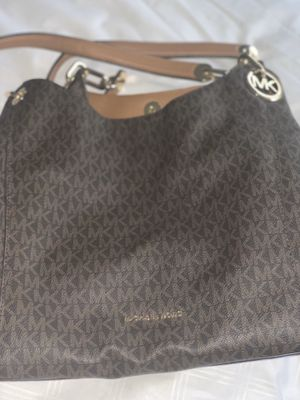 Micheal Kors Hand Bag for Sale in Alexandria, VA