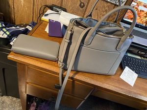 Purse and wallet for Sale in East Wenatchee, WA