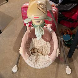 Fisher Price Cradle Swing for Sale in Alexandria,  VA