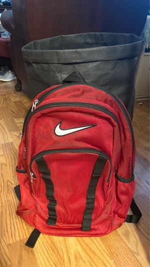 Nike mesh red backpack for Sale in San Antonio, TX