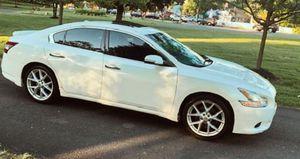 Roof rocks 2.O.1.O Nissan Maxima Sv Price 14OO$ for Sale in Abilene, TX