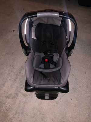 Britax BOB car seat for Sale in Huntington Beach, CA