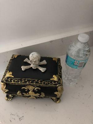 Halloween ☠️Tabletop SMALL chest for Sale in LAKE CLARKE, FL