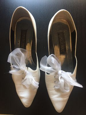 Ladies Size 8 White Shoes With Tulle for Sale in Phoenix, AZ