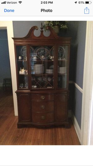 Antique Mahogany china cabinet for Sale in Lakeland, FL