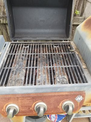 Free bbq gas grill come get it for Sale in Miami, FL