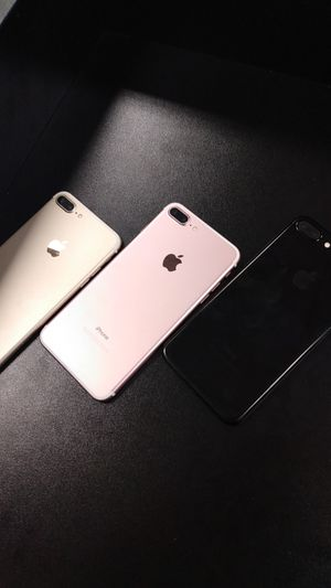 iPhone 7 plus unlocked with warranty for Sale in Cleveland, OH