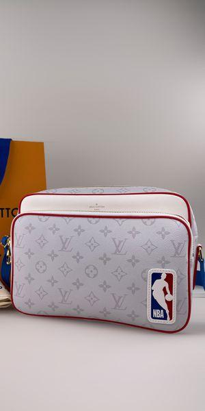 NEW MESSENGER BAG for Sale in Las Vegas, NV