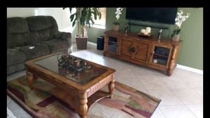 Matching Coctail Table and TV Console for Sale in Saint Cloud, FL