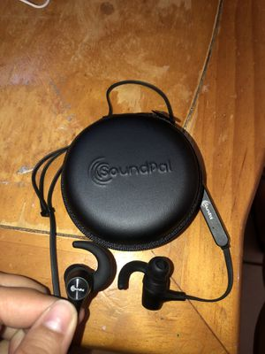 Bluetooth earbuds headphones - brand new for Sale in Pembroke Pines, FL