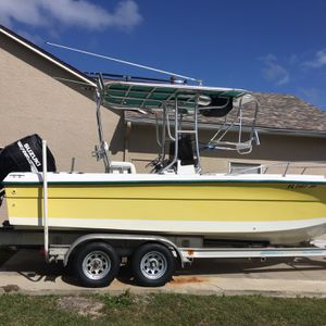 1998 22 FT ANGLER center console for Sale in Fort Lauderdale, FL