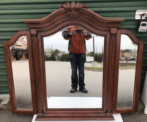 Trifold Dresser Mirror, Three Way, Large, Brand New for Sale in West Columbia, SC