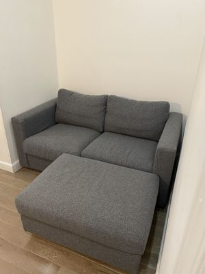 GREY COUCH WITH OTTOMAN for Sale in Brooklyn, NY