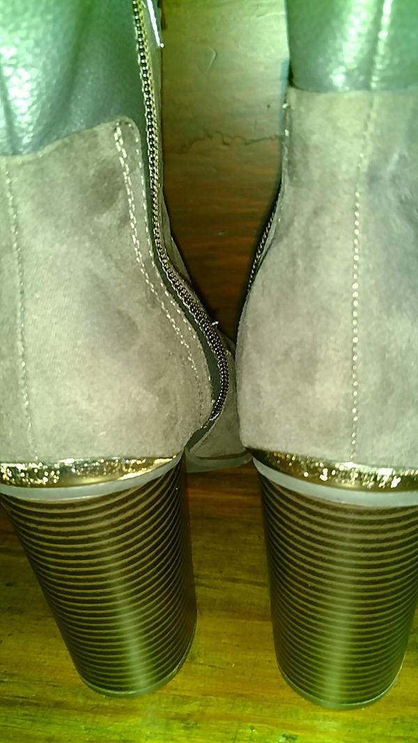 Ladies Boot's Size 8.5 NEW Juicy Couture
