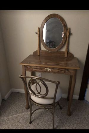 Makeup vanity for Sale in Rockland, MA