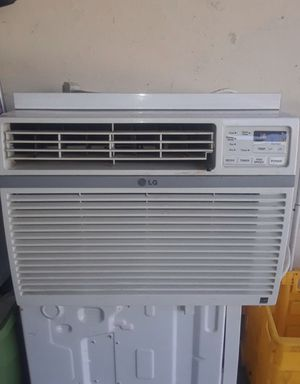 Window AC unit for Sale in Val Verde, CA