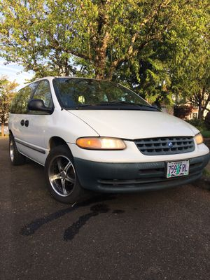 2000 Plymouth voyager minivan for Sale in Happy Valley, OR