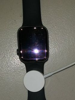 Apple Smartwatch W/ Charger for Sale in Seattle,  WA