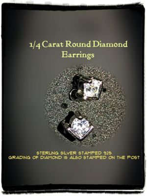 DIAMOND & SILVER EARRINGS for Sale in Tacoma, WA