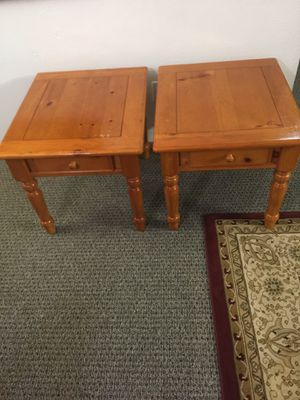 End table for Sale in Everett, WA