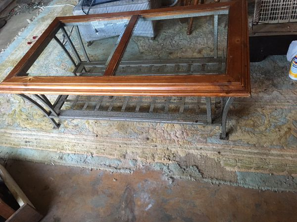 Oak Coffee Table with Glass on top. Metal on the bottom! Excellent Condition!