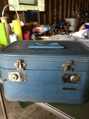 Vintage Monarch Travel Case with Keys for Sale in Willowbrook, IL